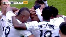 Con un fulminante derechazo el cubano Osvaldo Alonso anota el primer gol en el Allianz Field