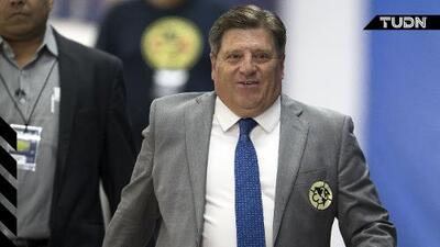 Miguel Herrera suma 64 expulsiones como jugador y técnico