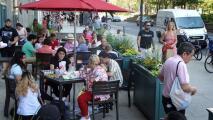 Con la reapertura económica total, aumenta la necesidad de empleados en restaurantes de Illinois