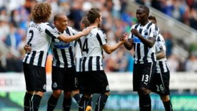 Newcastle y Norwich logran su primer triunfo de la temporada