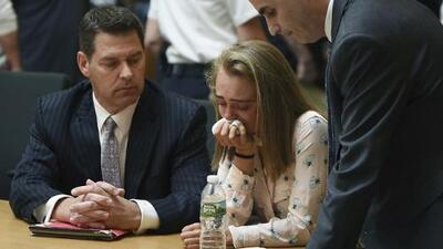 Acusan a un hombre de convencer a una joven para matar a su mejor amiga por $9 millones, pero resultó ser un engaño