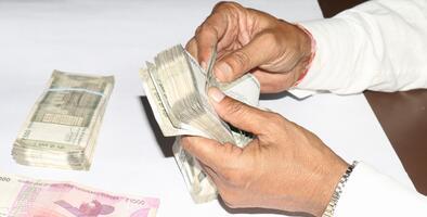 Archivos filtrados: Bancos globales consienten a oligarcas, narcotraficantes y terroristas en medio de un boom del lavado de dinero