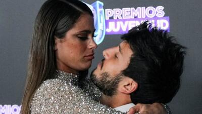 Puro amor: Yatra y Tini derrochan miel en Premios Juventud