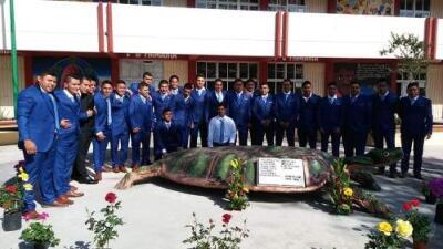Los sobrevivientes de Ayotzinapa se graduaron... pero aún faltan 43