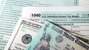 Guía de impuestos y estímulos: el dinero adicional que los californianos pueden recibir en 2021