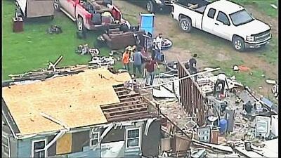 Varios condados de Kansas han quedado entre escombros tras una ola de tornados