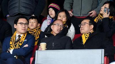 'Warren Buffett' chino: así es el dueño del Wolverhampton de Raúl Jiménez