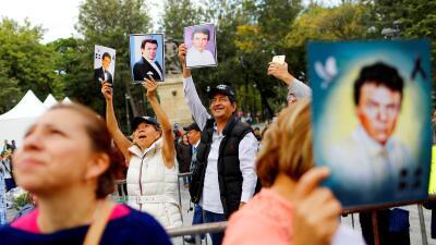 En fotos: los restos de José José ya fueron enterrados en México y así lo despidió su pueblo