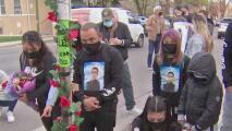 Realizan vigilia para exigir justicia en el caso de Anthony Álvarez, quien murió a manos de la policía de Chicago