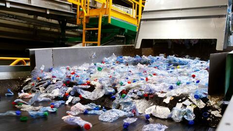 Malasia, asolado por toneladas de residuos plásticos que llegan de todo el mundo
