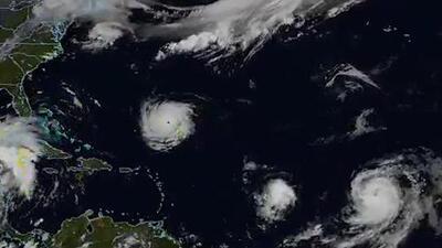 El Atlántico en plena acción: así avanzan dos huracanes y una tormenta tropical por el océano