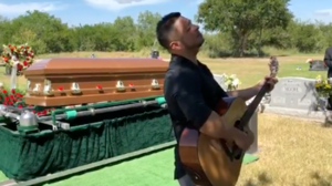 Siggno's frontman Jesse Turner sings acoustic set at a friend's mother's funeral