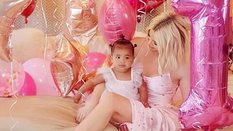 Con una fiesta colorida y a todo lujo, Khloé Kardashian celebra el primer año de vida de su pequeña True
