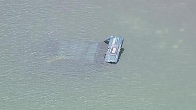 Dos personas mueren luego de que su vehículo cayera a las aguas de un parque en Nueva York