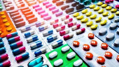 Y tú, ¿qué medicinas cargas contigo? El Dr. Juan revela qué cuidado debes tener con lo que tomas
