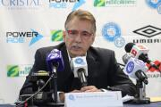 Carlos De Los Cobos deja de ser técnico de El Salvador