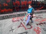 """Con un nuevo hallazgo y el fin de la """"verdad histórica"""" el caso Ayotzinapa cumple 6 años, mientras los padres de los estudiantes siguen sin respuestas"""