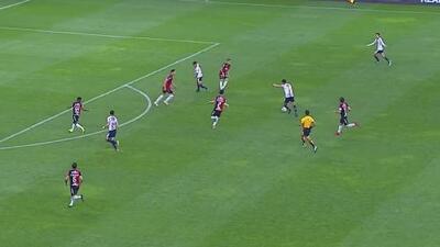 Pulido buscaba el tercero, pero Hernández se queda con el esférico