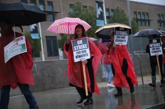 Inicia huelga de maestros del Distrito Unificado de Los Ángeles