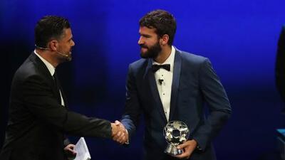Alisson Becker se llevó el galardón a mejor portero de la temporada 2018-2019 de la UEFA Champions League