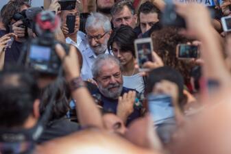 EN FOTOS: El momento en que Lula da Silva se entregó a las autoridades brasileñas