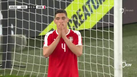 Tiro de esquina para Serbia