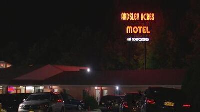 Dos policías baleados y un sospechoso muerto, el saldo de un tiroteo en un hotel del condado Westchester