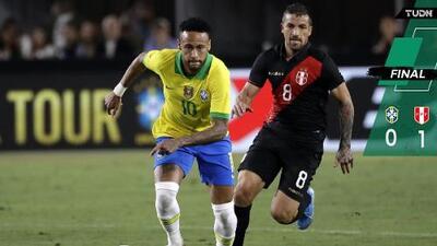 ¡Con todo y Neymar! Perú sorprende a Brasil