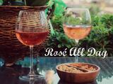 Todo el mundo está tomando vino rosado, te decimos por qué