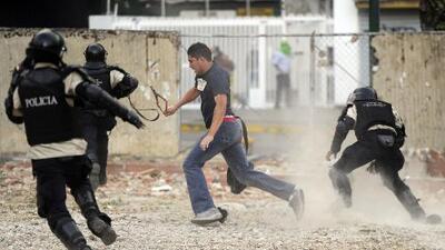 Siguen disturbios por escasez de alimentos en Venezuela