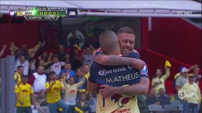 Luis Fuentes pierde un balón y América aplasta a Pumas con un contragolpe