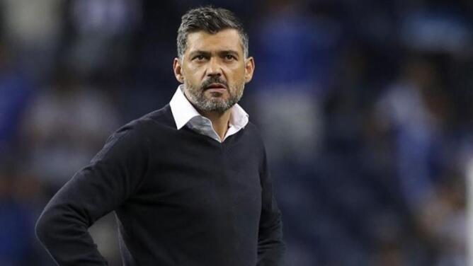 Tecatito sin DT: Sérgio Conceicao, suspendido por insultar a un árbitro
