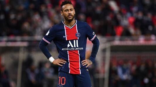 Neymar tiene una contractura y es duda para jugar ante el Angers