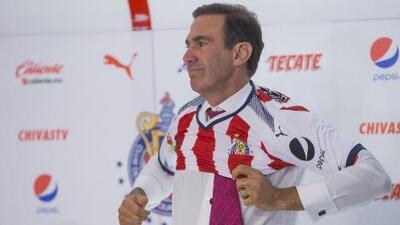 Francisco Gabriel de Anda, presentado como director deportivo de Chivas ¿Se le olvidó saludar a Almeyda?