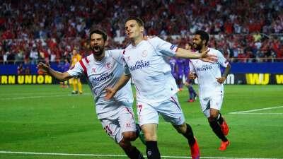 Sevilla 3-1 Levante: El Sevilla, mas efectivo que acertado, sigue fuerte en el Pizjuán