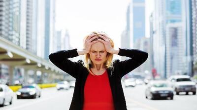 Migraña, estrés y malestares estomacales: así es como el ritmo de la ciudad donde vives podría afectar tu salud