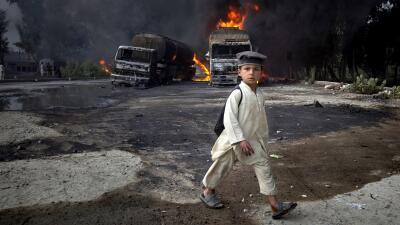 En fotos: Las ganas de aprender de estos niños son más fuertes que los obstáculos para ir a la escuela