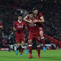Liverpool defiende su posición en la tabla con goleada sobre el Swansea City