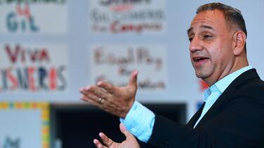El congresista latino que había ganado millones de dólares en la lotería ahora pierde las elecciones en California