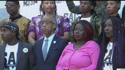 Reverendo Al Sharpton participa en evento para recordar a Stephon Clark a un año de su muerte