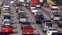 Dos accidentes son la causa del cierre de algunos carriles y el tráfico lento en la autopista 405 este jueves