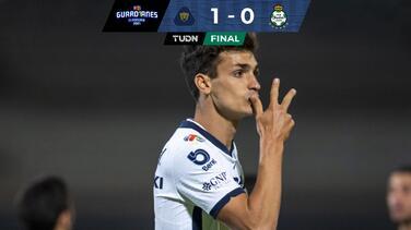 Con gran polémica, pero Pumas volvió a ganar y despachó a Santos