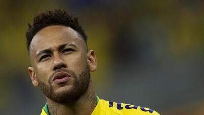 Por evasión, la Hacienda brasileña bloquea más de 30 propiedades de Neymar