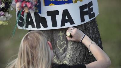 Se cumple un año de la masacre en la preparatoria Santa Fe y los sobrevivientes se reúnen para compartir sus testimonios