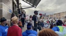 Residentes de Kensington protestan por el cierre de la estación de Somerset