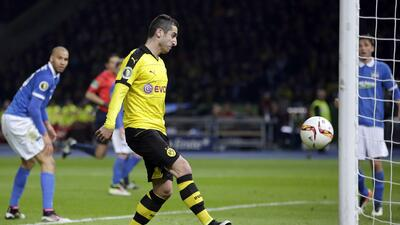 Mkhitaryan es traspasado del Borussia Dortmund al Manchester United