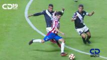 ¡Alarma encendida! El mal momento por el que pasa la delantera de Chivas