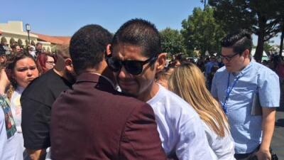 """""""Algún día estaré con él"""", dice padre de Anthony Ávalos tras sepultarlo entre 'superhéroes'"""