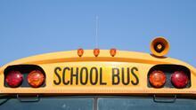 Varios estudiantes hospitalizados tras accidente de autobús escolar en Cherokee