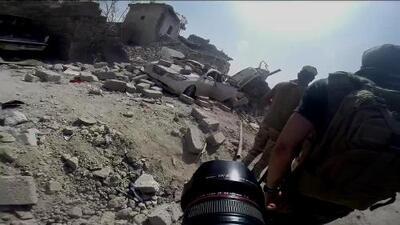 """""""Comen gatos y mueren de hambre en Mosul"""", dice un periodista de Univision en la guerra"""